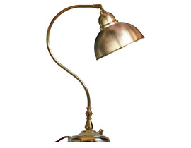 Bordslampa Lagerlöf - mässing / metallskärm