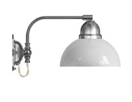 Vägglampa Gripenberg - förnicklad / vit glasskärm